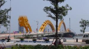 Vietnam 3 024