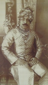 Inde 2 055